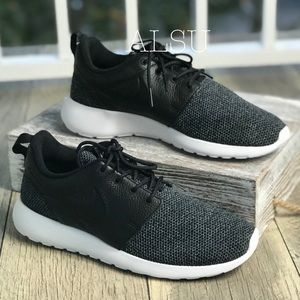 Women s Nike Roshe Shoes  22ff866d9a82